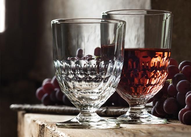 Verres à pied et long drink Artois