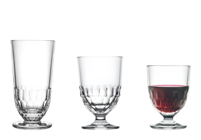 2 Verres à pied et long drink Artois