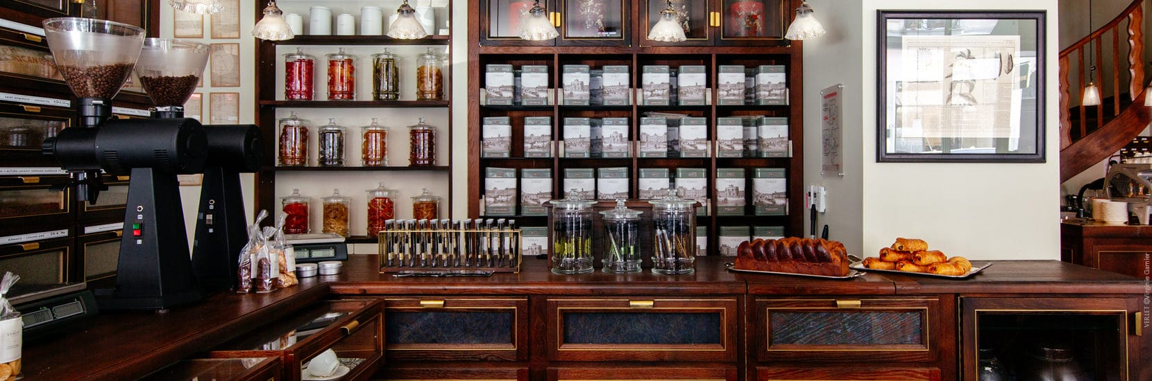 Bocaux présentés dans la boutique VERLET ©Virginie Garnier